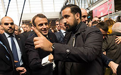 France: accusé de violences, un collaborateur d'Emmanuel Macron placé en garde à vue