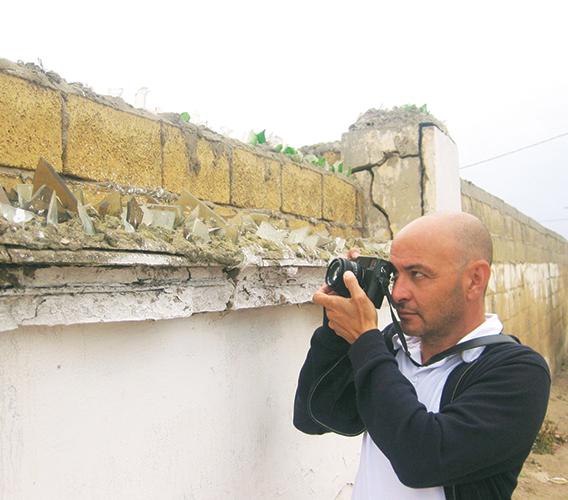"""Khalil Nemmaoui, photographe participant à l'exposition """"l'Afrique a du génie"""""""