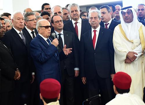 Le ministre tunisien de l'Intérieur Mohamed Najem Gharsalli lors d'une conférence de presse le 26 mars 2015 à Tunis