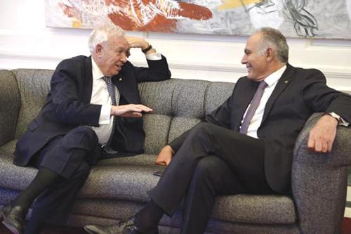 Salaheddine Mezouar et son homologue espagnol, José Manuel Garcia. En médaillon, le juge P ablo Rafaël Ruiz Gutierrez - Ph : DR