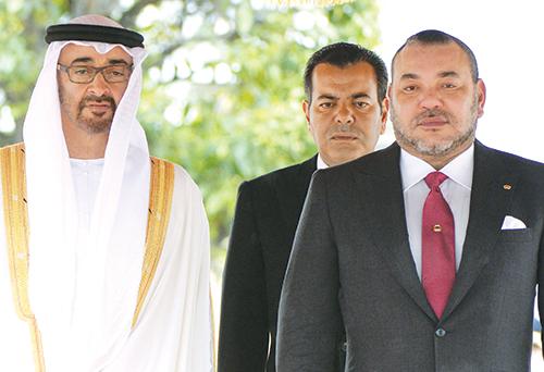 S.M. Mohammed VI, le Prince Moulay Rachid et Cheikh Mohamed bin Zayed Al Nahyan, prince héri - tier d'Abou Dhabi. Casablanca, le 17 mars 2015.  (CREDIT PHOTO: AFP)