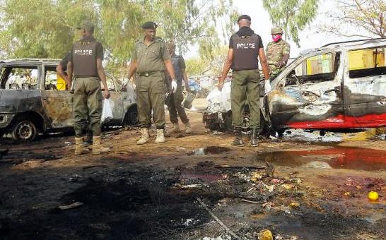 La police nigériane sur le site d'un attentat - AFP