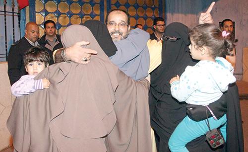 Un des salafistes libérés. La joie de retrouver sa famille. - © Ph : DR