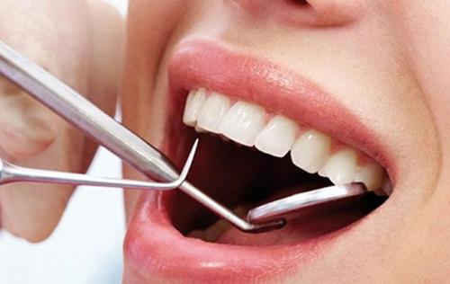 Les m  decins dentistes d  noncent la cr  ation d   coles de formation  denturologue