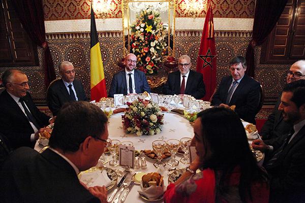 Roi-offre-diner-ministre-belge
