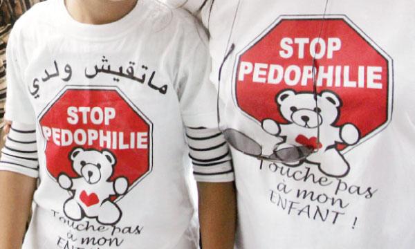 Stop-Pedophilie-touche-pas-a-mon-enfant