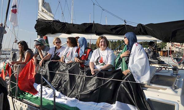 Des femmes représentant 13 pays sur les cinq continents ont entamé leur voyage sur le Zaytouna-Oliva vers les côtes de Gaza, sous blocus depuis 2007. Ph : AFP