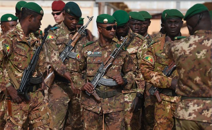 Mali  Plus de 130 civils tu  s dans l   attaque d   un village peul du centre du pays