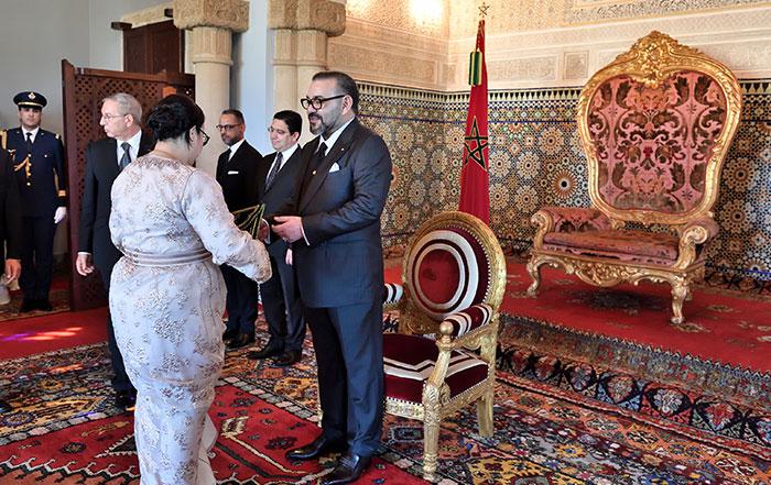 SM le Roi nomme de nouveaux ambassadeurs et re  oit des ambassadeurs   trangers