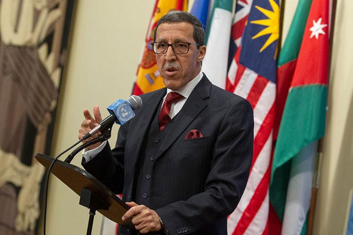 L ambassadeur Hilale met    nu les violations des droits de l Homme dans les camps de Tindouf