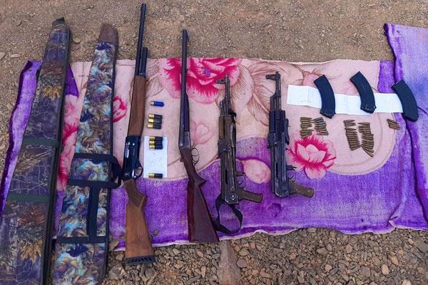Tan-Tan  Arrestation de cinq individus en possession de deux kalachnikovs et deux fusils