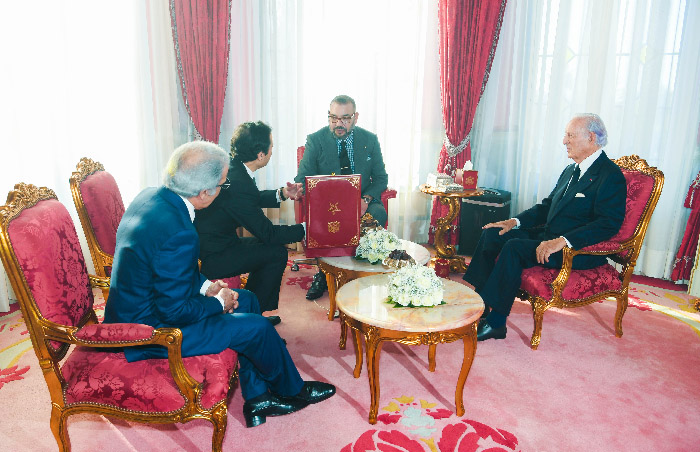 SM le Roi a pr  sid   une s  ance de travail consacr  e    la situation des marocains en Chine