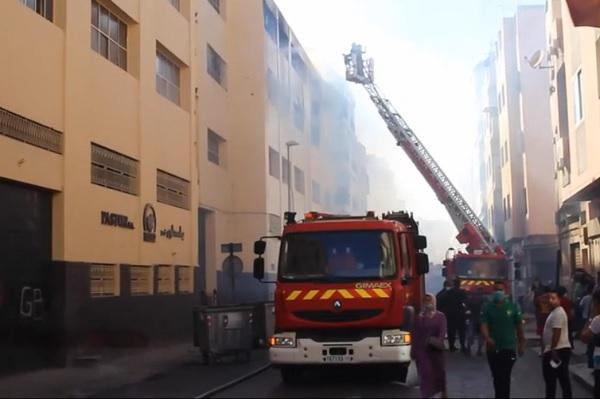 Violent incendie dans l   usine de confiserie Pastor-Macao    Casablanca
