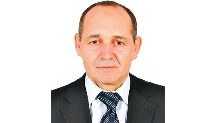 El Houssain Azour   Le respect des cahiers de charges incombe aux personnes charg  es de la r  ception des prestations