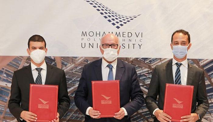 Signature d une convention de partenariat entre la CNDP  l OCP et l UM6P