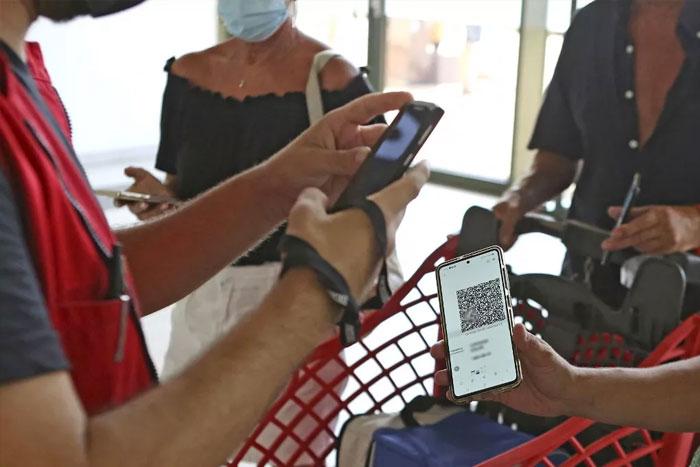 Le pass vaccinal obligatoire d  s jeudi dans les espaces publics et pour se d  placer